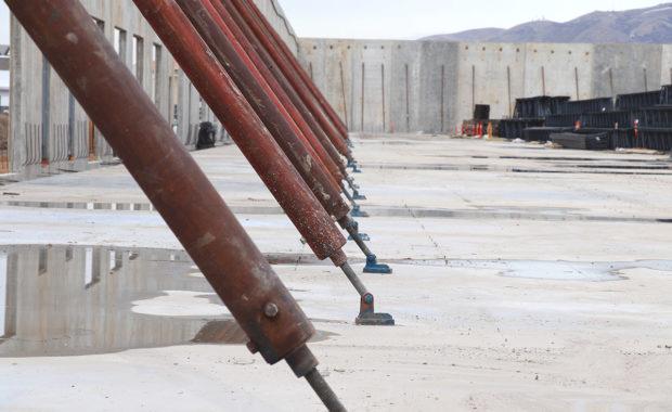 insulated concrete tilt-up construction
